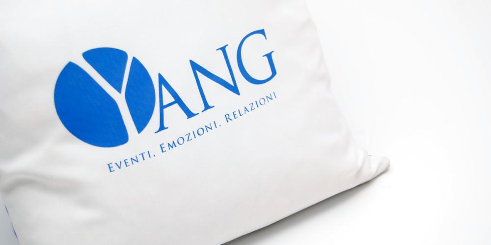 Gruppo Yang Cuscino by Maniac Studio