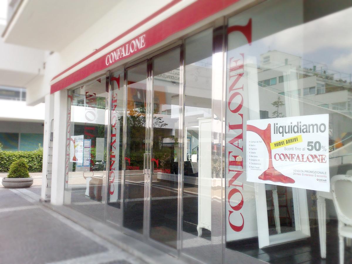 Confalone Vetrofania by Maniac Studio