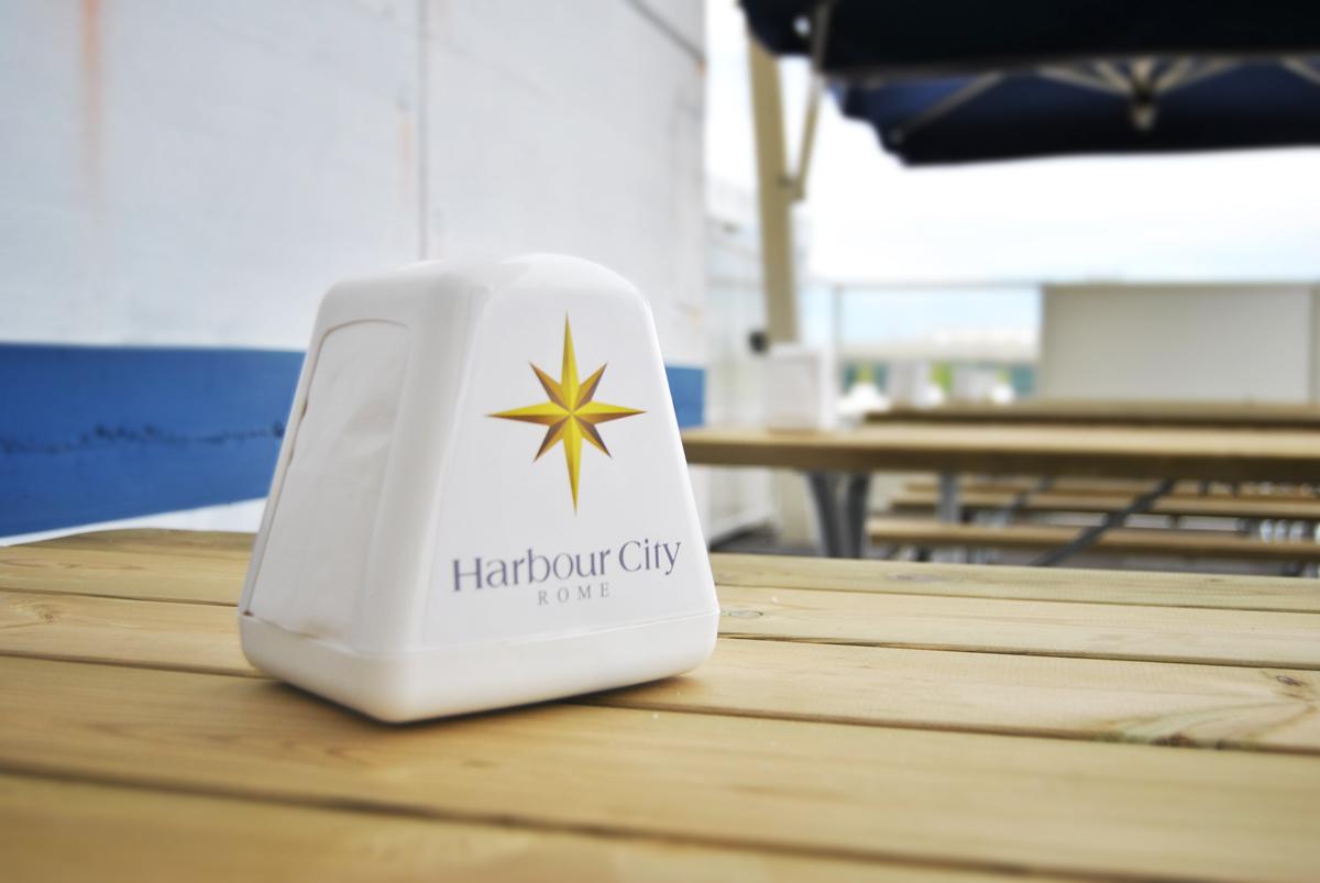Harbour City Personalizzazione Porta Tovaglioli by Maniac Studio