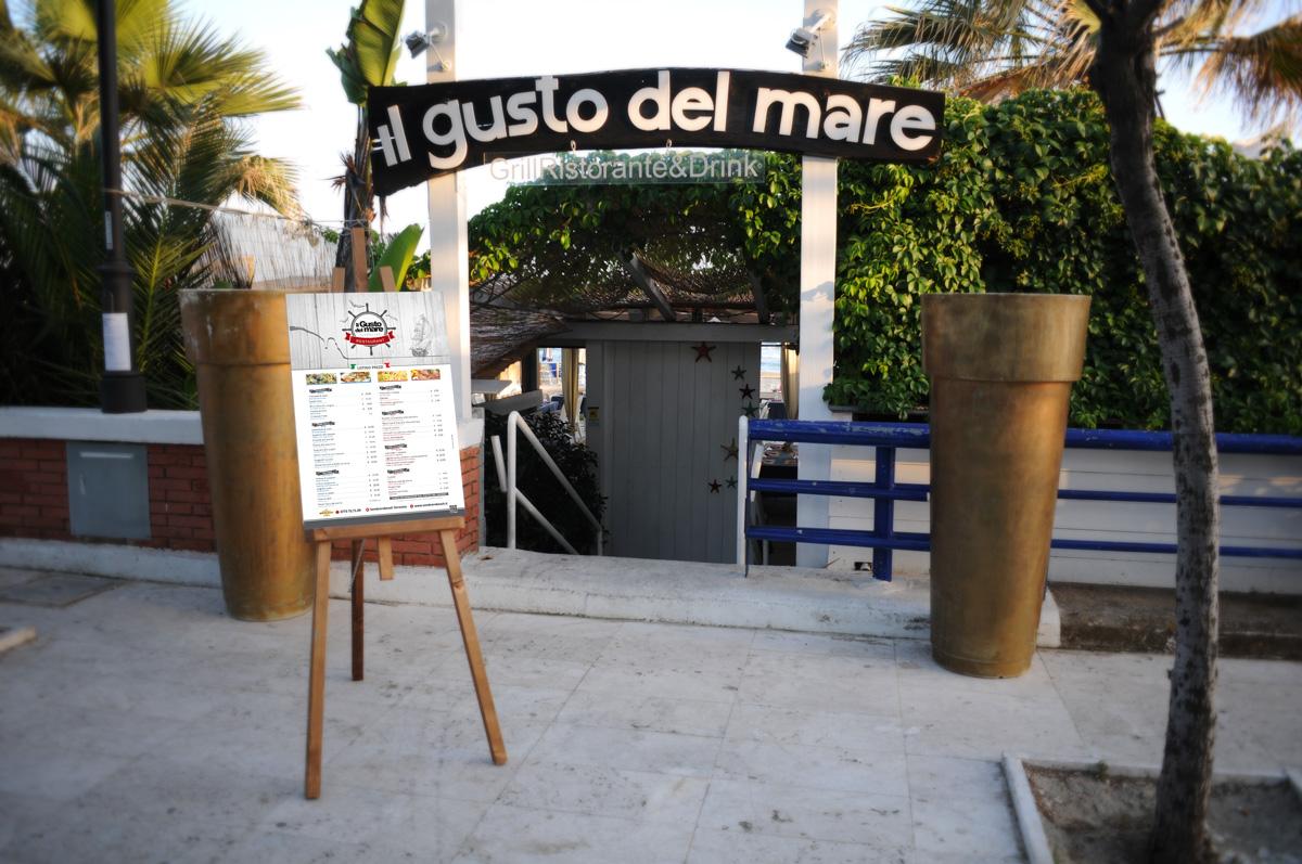 Il Gusto del mare Menù esterno by Maniac Studio
