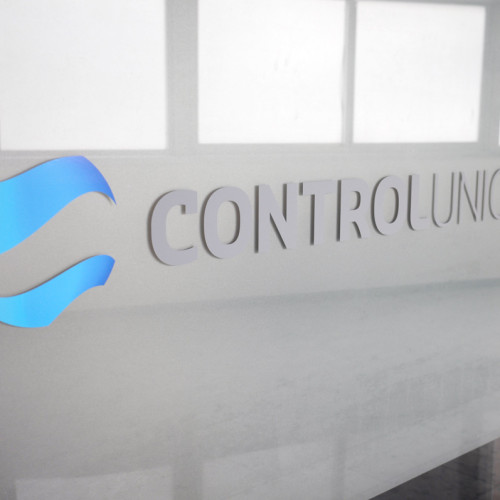 Control Union Vetrofania by Maniac Studio